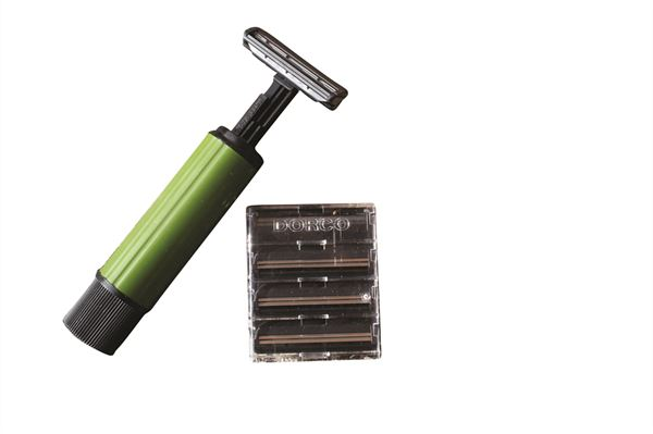 CS613 twist razor open